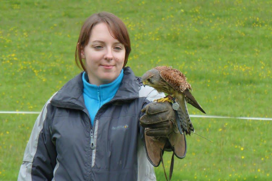 TEP's Senior Ecologist Lizi Pimlott learning about raptors on a falconry course.